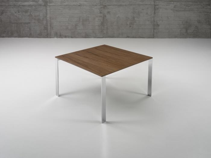 Quadra table by massimo imparato at for Table titanium quadra 6
