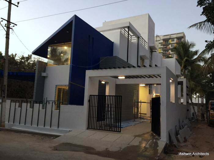 Luxury modern villa designs bangalore by ashwin for 4 bhk villa interior design