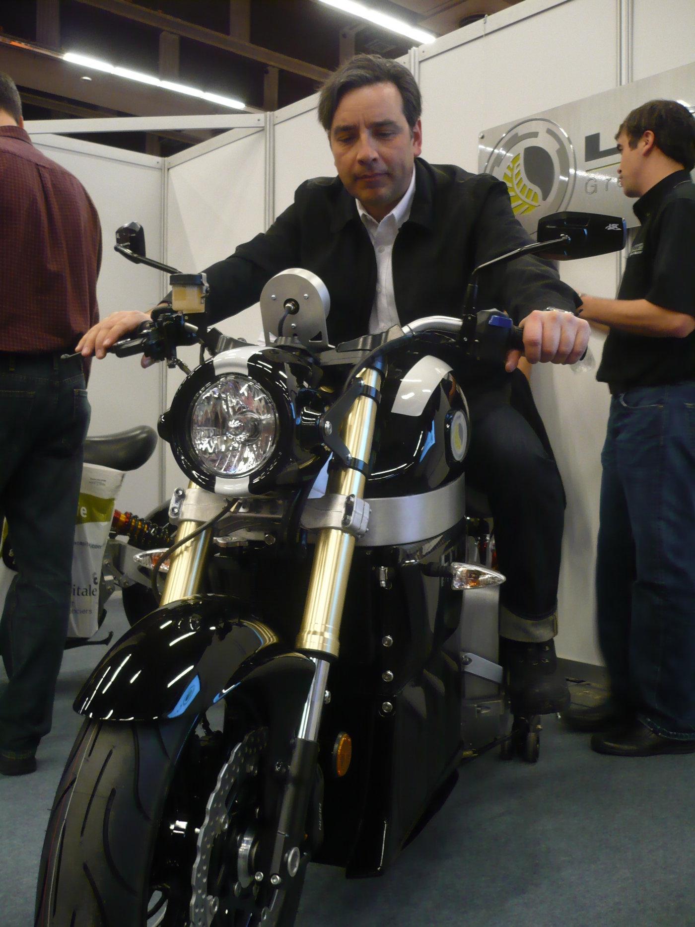 Sora electric motorbike from lito green motion red dot - Salon de moto montreal ...