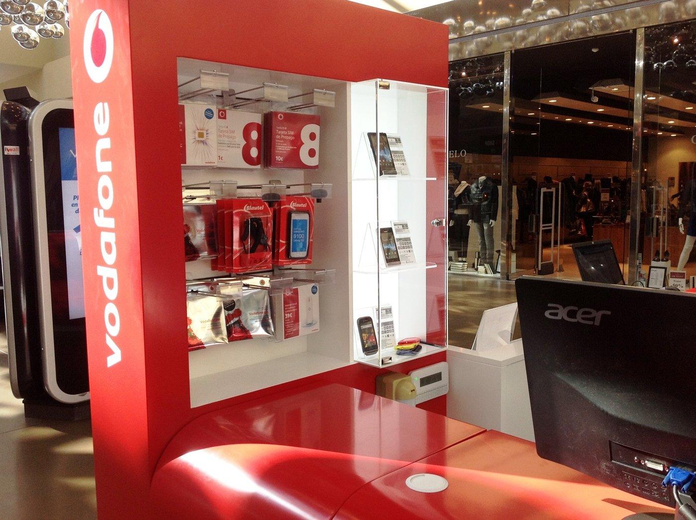 Vodafone kiosk by diego fabian at for Oficinas mapfre las palmas