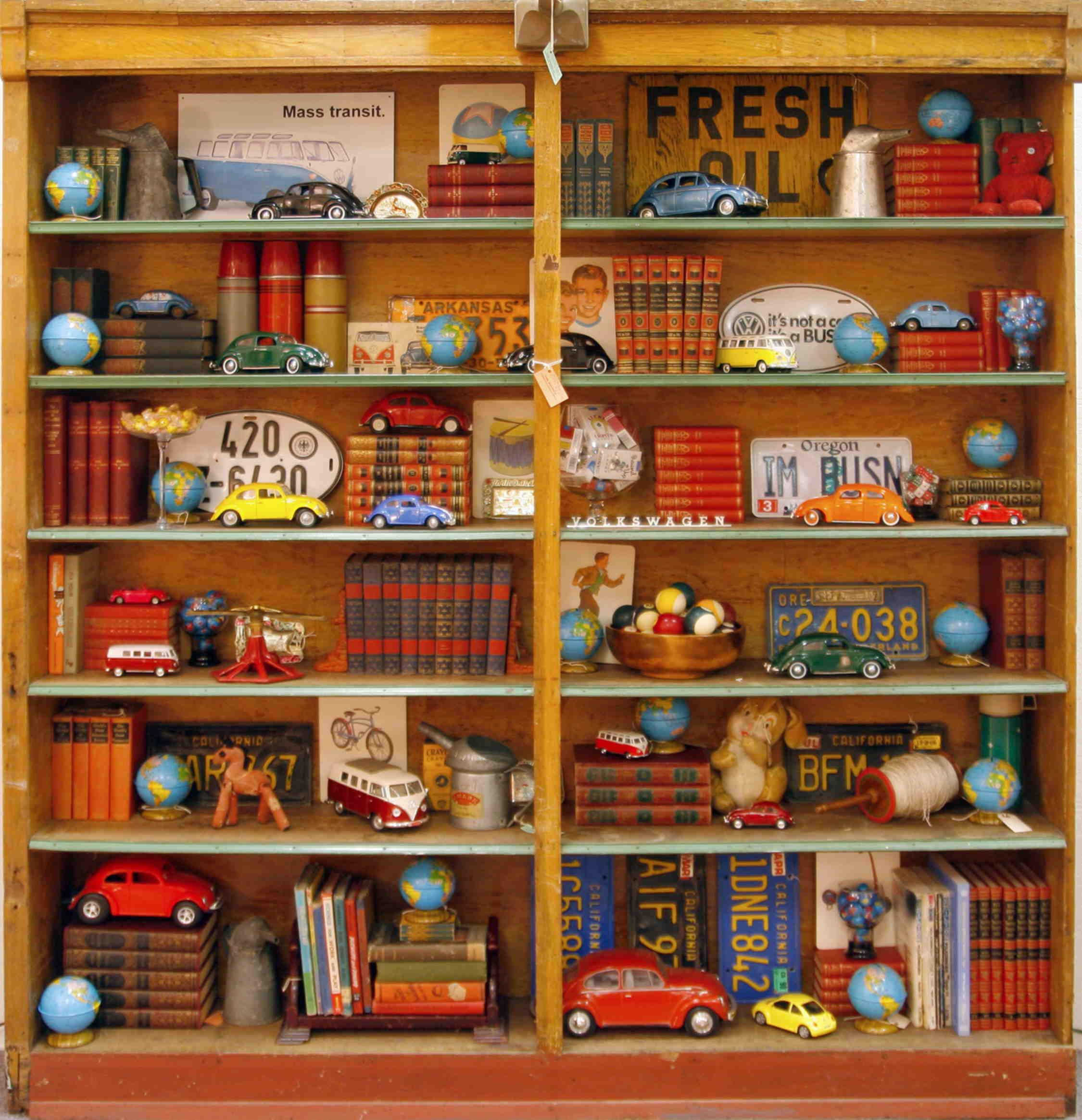 Household Goods Store: Retail Store & Visual Merchandising By
