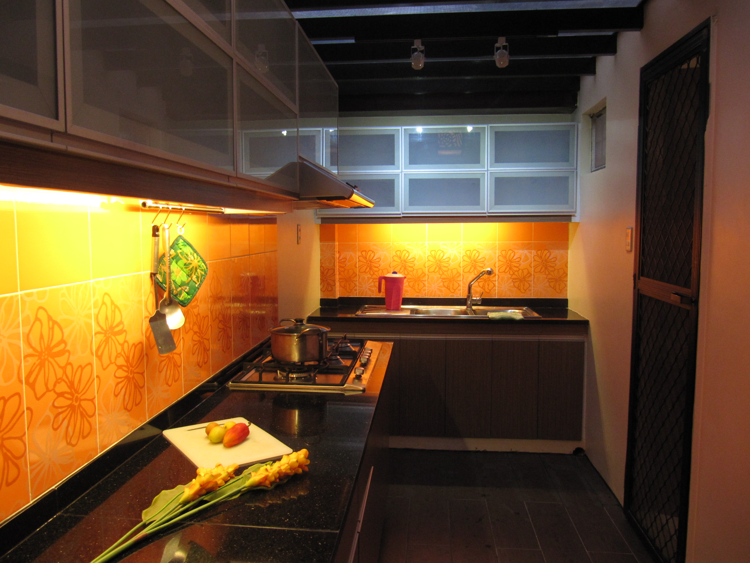 Kitchen design somerset place pasig city by anne margaret ayet san jose aniag design1528 at Kitchen design center san jose