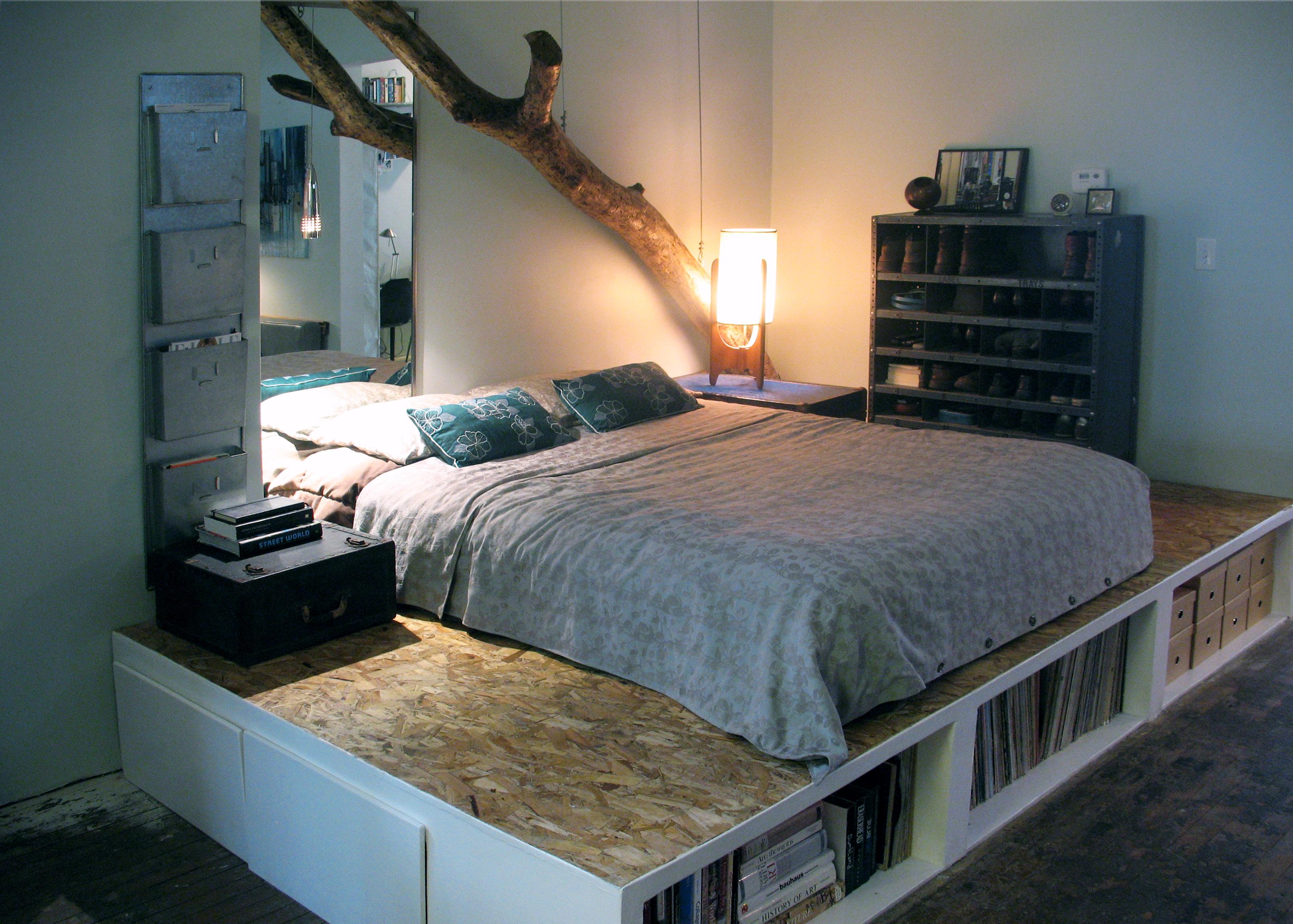 Дизайны комнат с кроватью подиумом