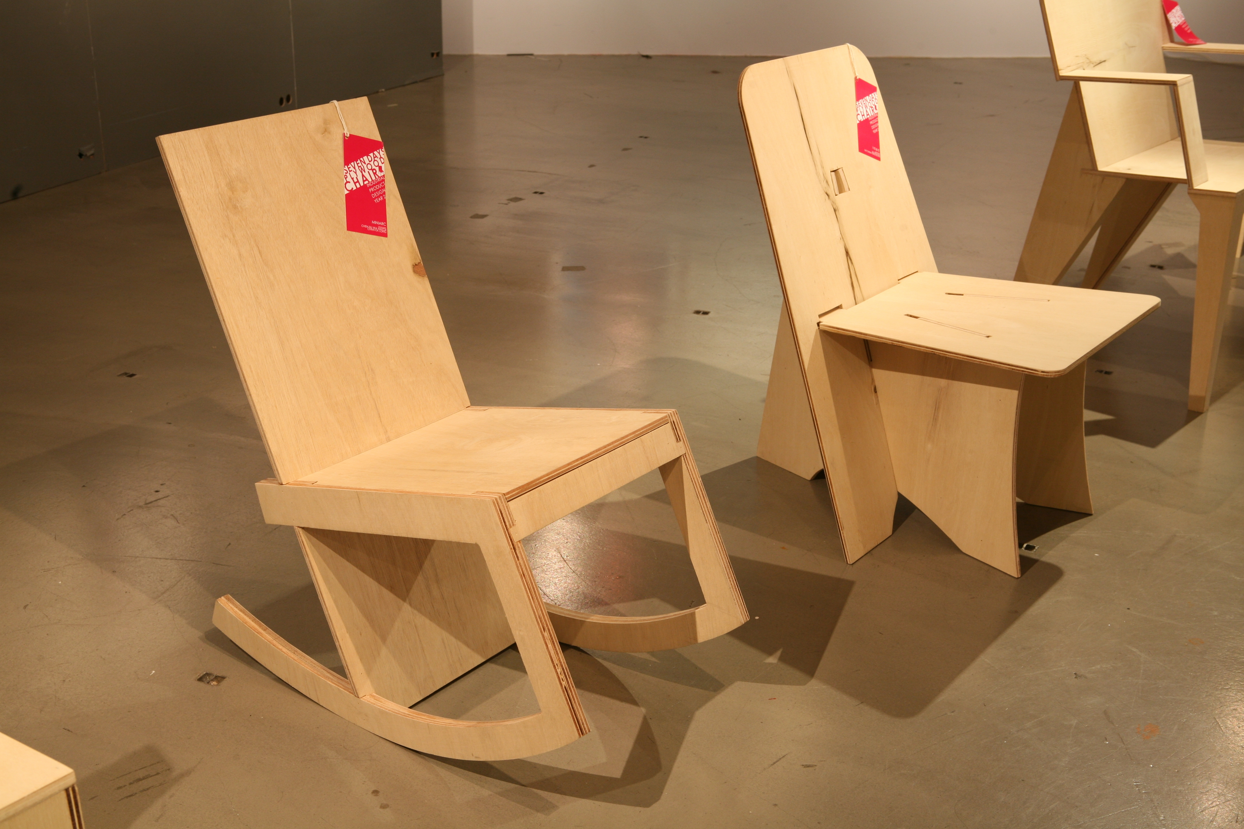 Plywood rocking chair - H Favorite