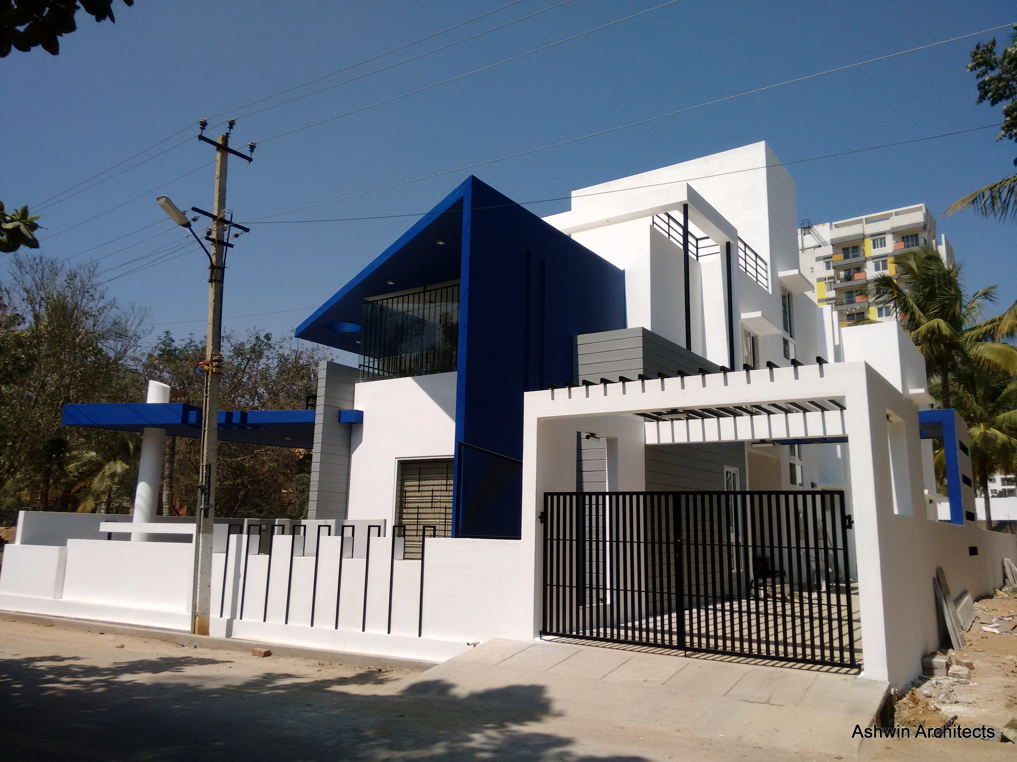 Luxury modern villa designs bangalore by ashwin architects at Modern villa architecture design