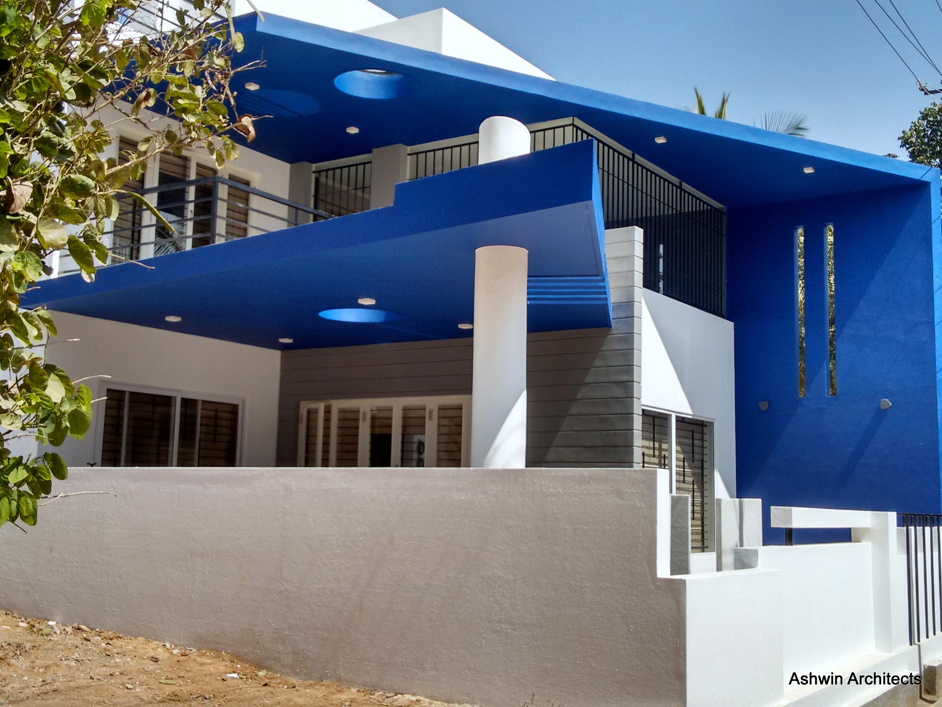 Luxury modern villa designs bangalore by ashwin for Design4 architects bangalore