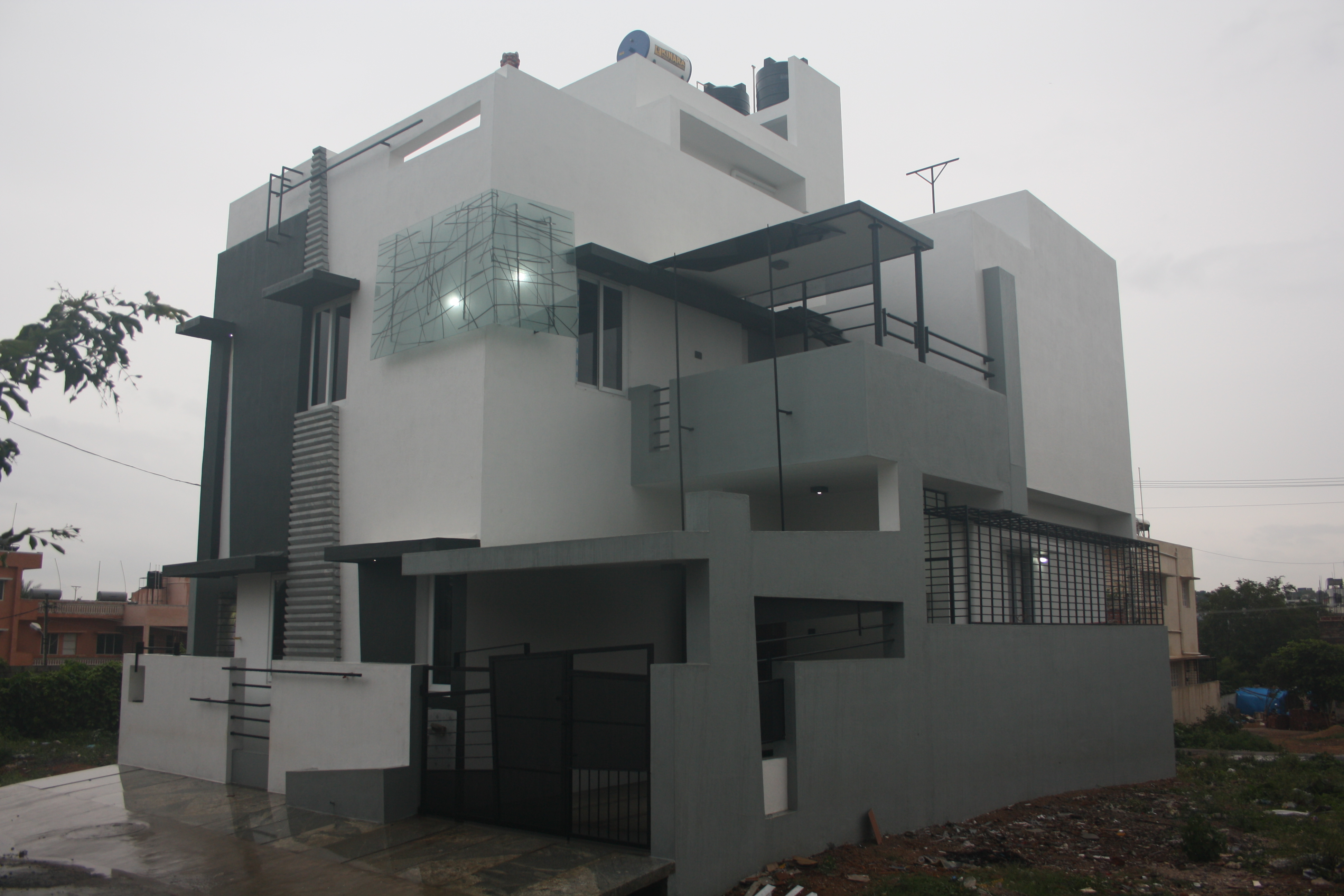 House designs bangalore front elevation by ashwin for Home designs bangalore