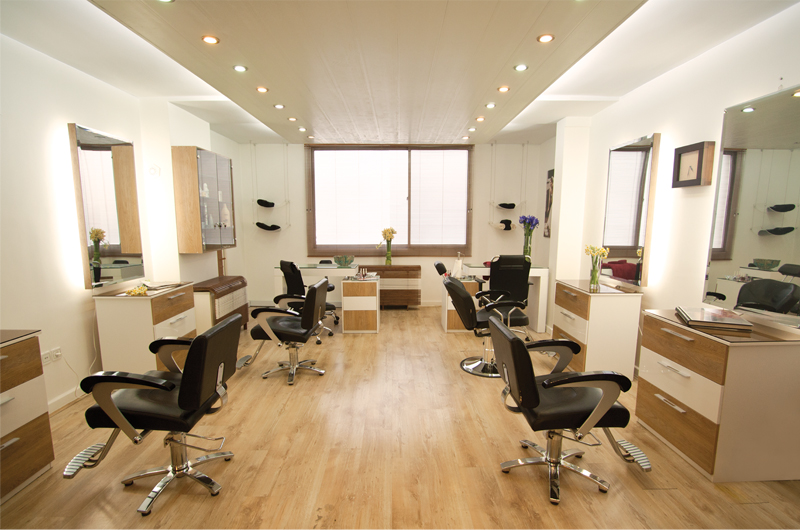 Mitra beauty salon interior design by alef design agency for Photos salon design