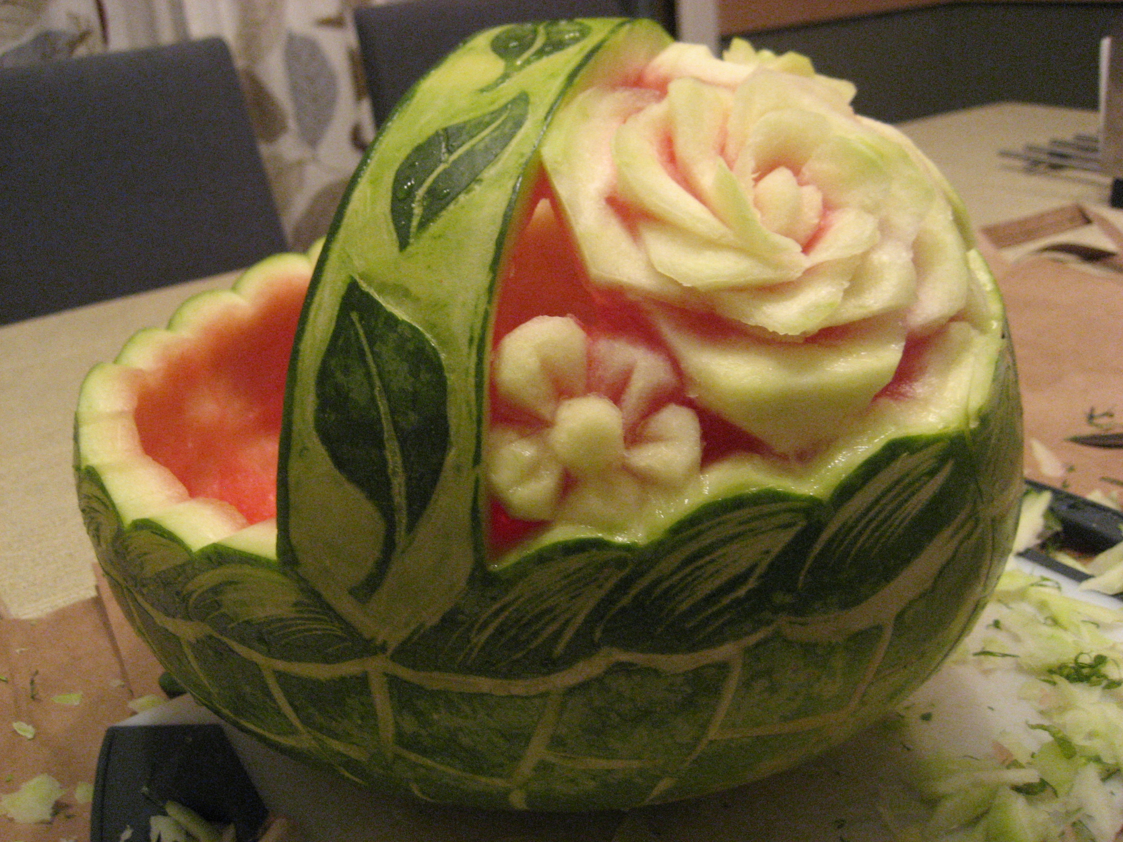 Как сделать из арбуза розу (карвинг) Твой Поваренок