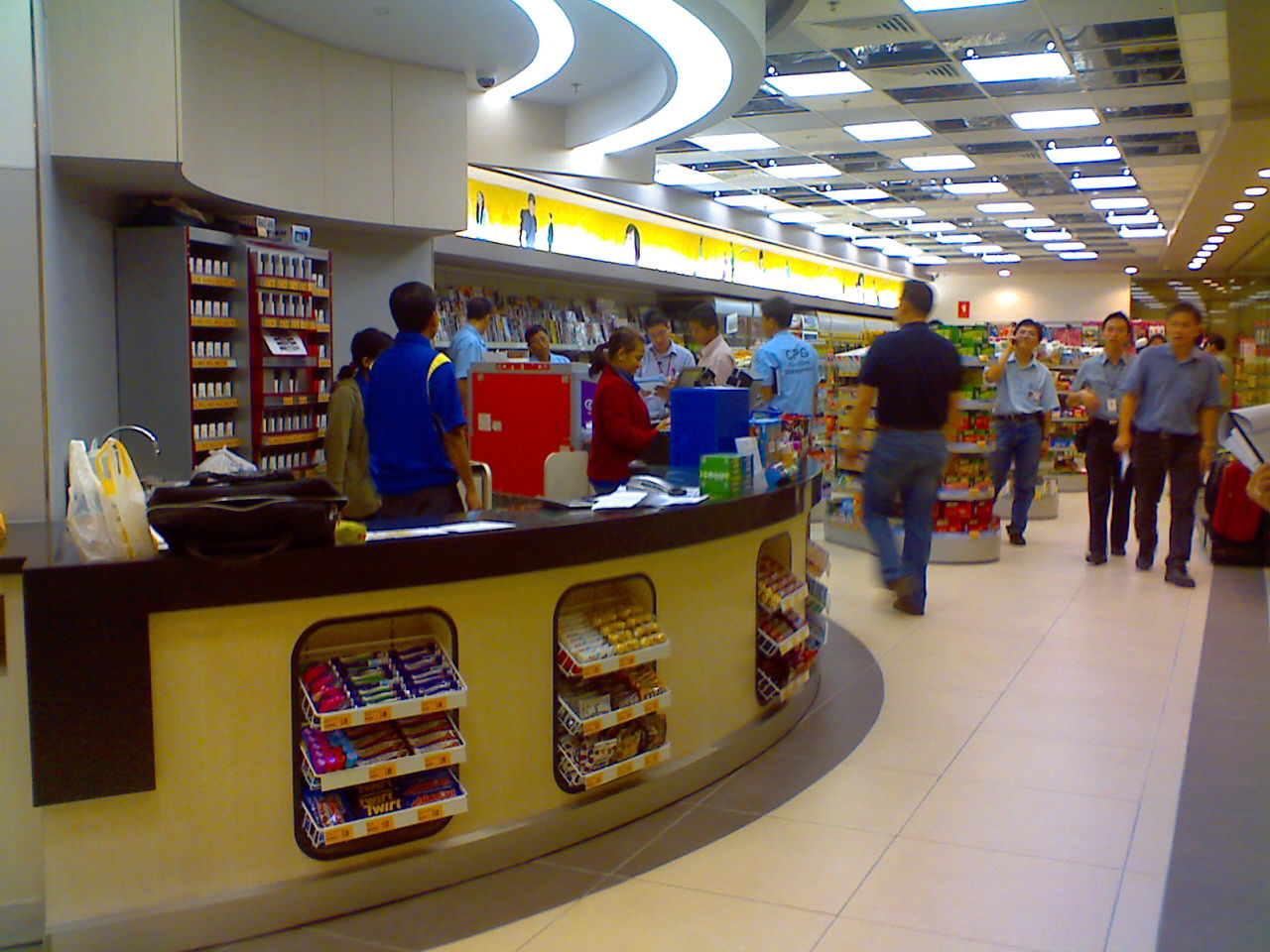 The gallery for convenience store front counters for Convenience store exterior design