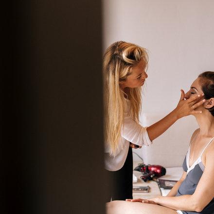 Morgan Belleville. Freelance Hairstylist and Makeup artist. Santa Cruz, CA