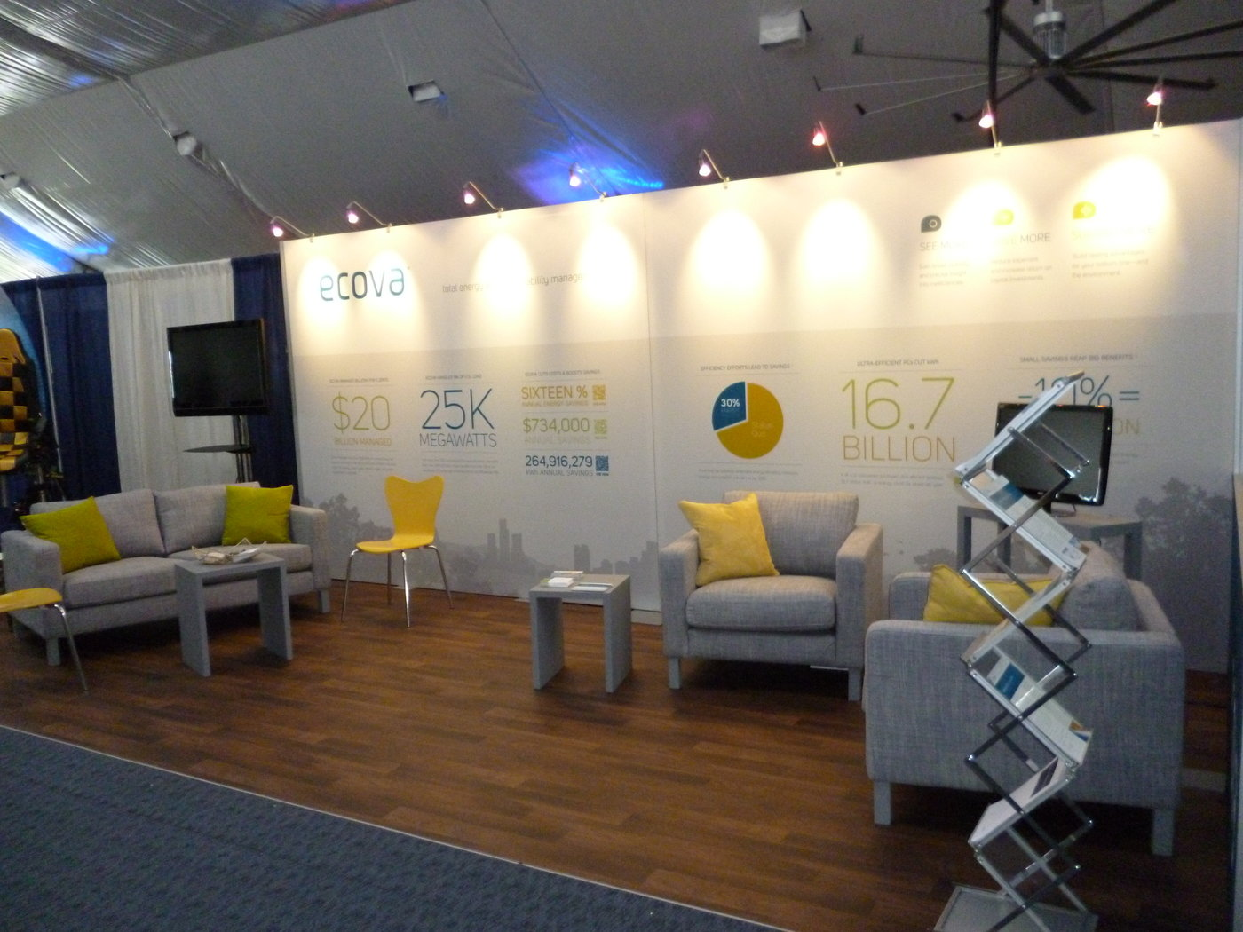 Trade Show Booth Graphics : Digital trade show display change your graphics instantly