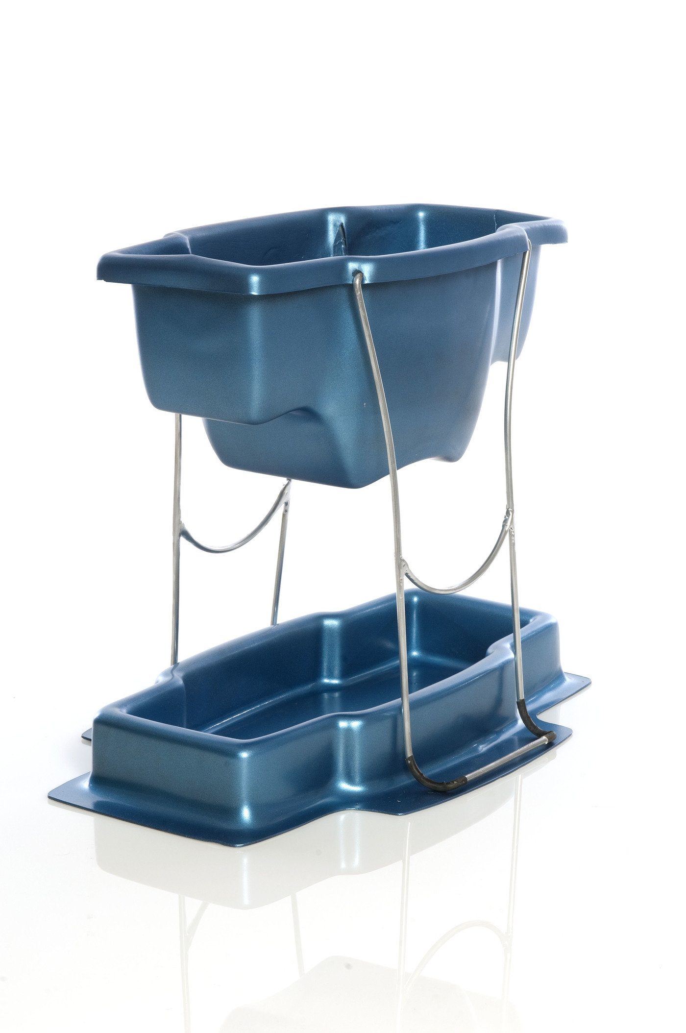 Zenith College Shower Caddy by Kyra Ellzy at Coroflot.com